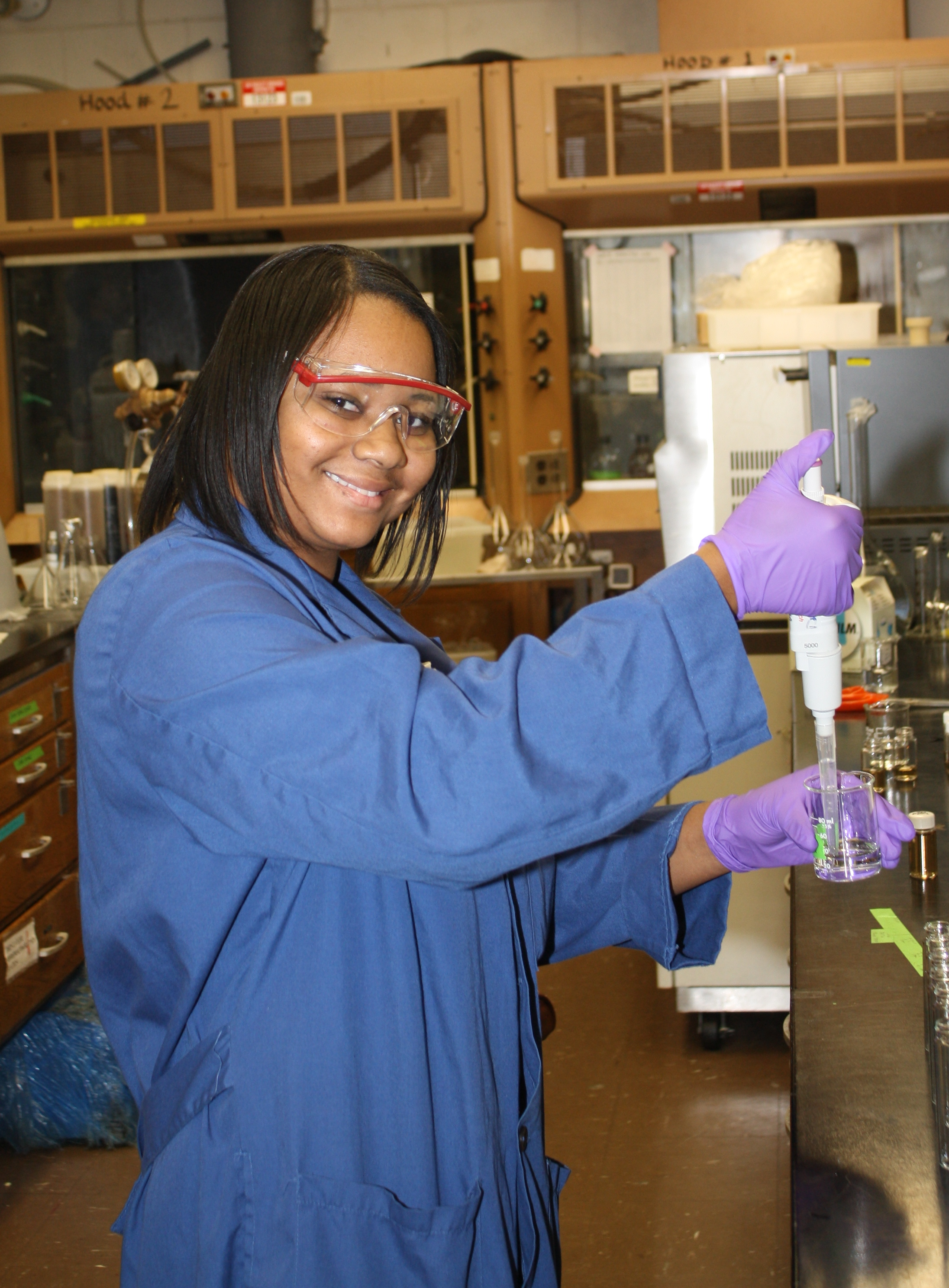 Image of IMSD Scholar conducting research in a lab
