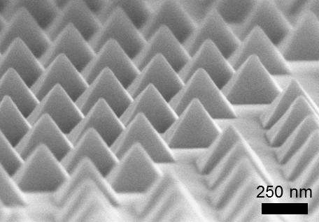 Aluminum Nanopyramids